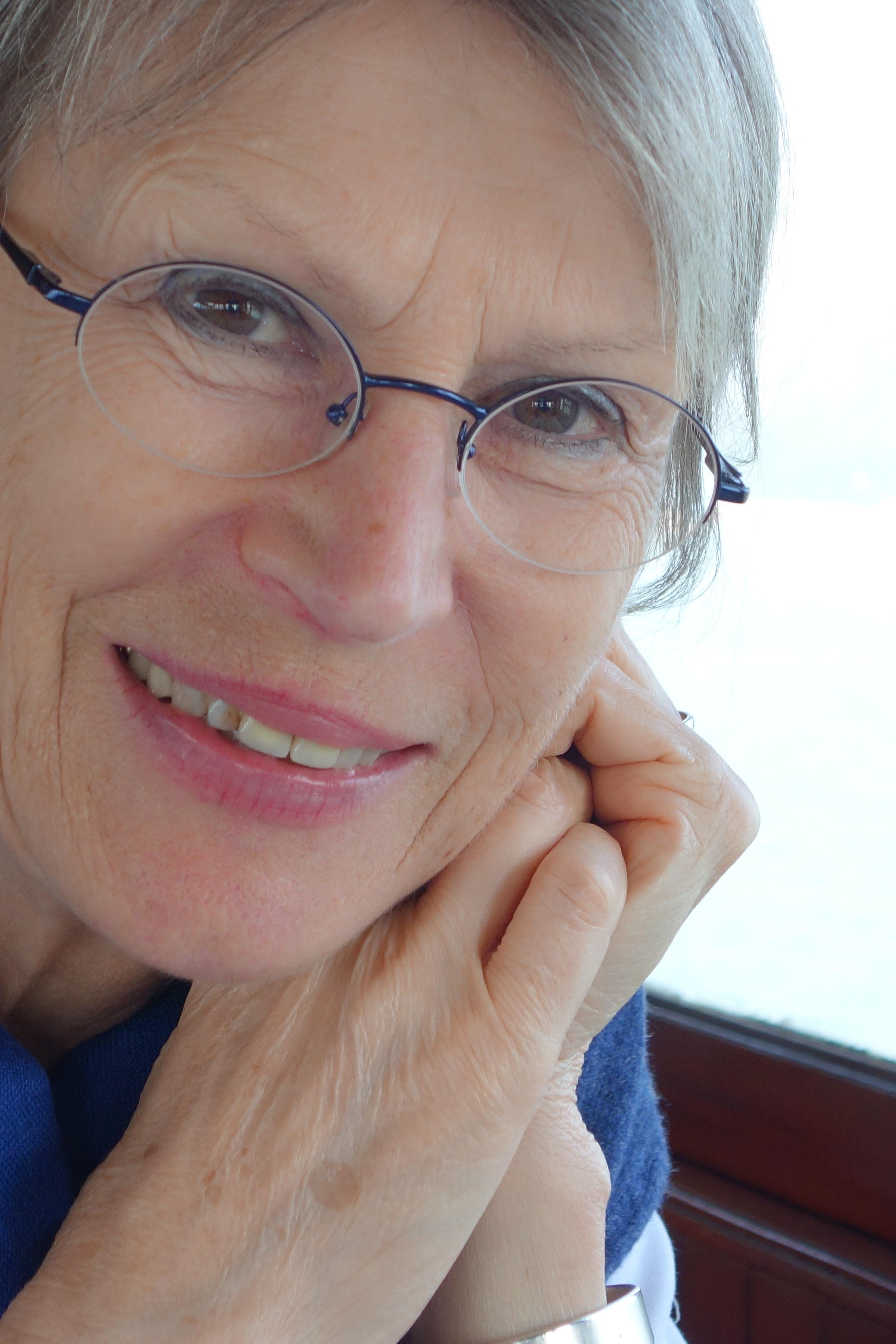Gisela Meyer-Hahn (Dipl. Designerin)